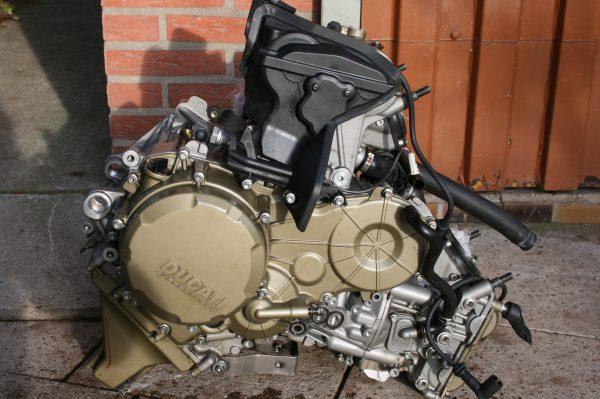 ducati 1199 motor